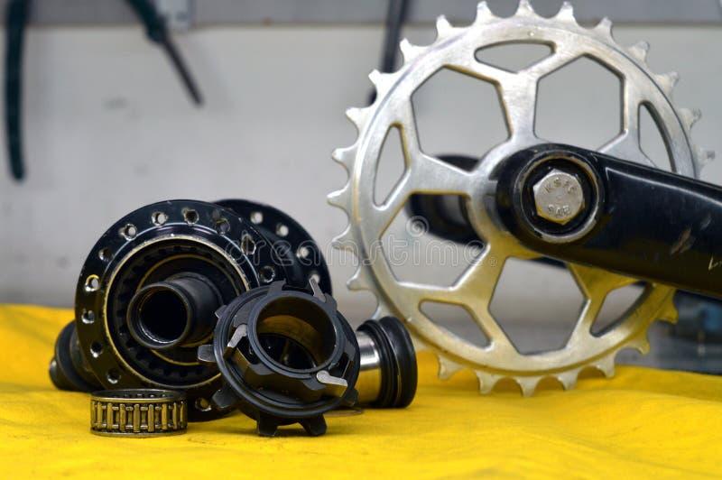 Worn-вне втулка велосипеда с спицами стоковая фотография rf