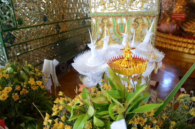 The worship of the Buddha imgame. Sacrifice the Buddha of the Burmese, such as flowers, silver tray with pedestal, golden tray with pedestal stock images