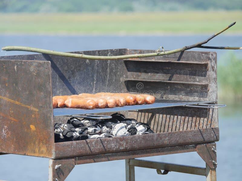 Worsten en barbecue stock afbeeldingen