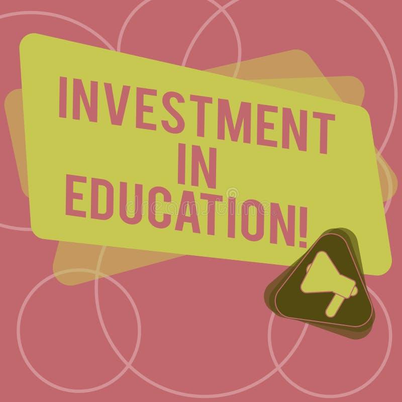 Wort, das Text Investition in Ausbildung schreibt Geschäftskonzept für Attain Wissen, das das Erwerben des Megaphons erhöht lizenzfreie abbildung