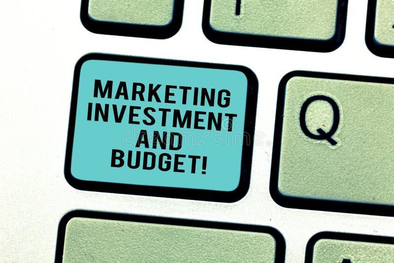 Wort, das Text Marketing-Investition und Budget schreibt Geschäftskonzept für Invest Geld, wenn Förderungen Tastatur annonciert w lizenzfreie abbildung