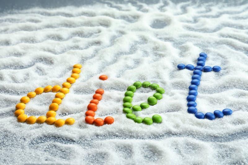 Wort DIÄT gemacht von den Farbsüßigkeiten mit Zucker lizenzfreie stockbilder