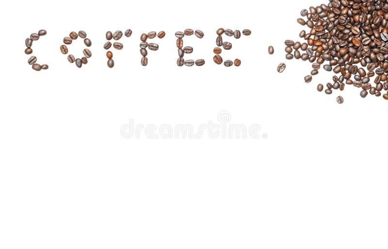 Wort-Kaffee von den Kaffeebohnen mit Kopienraum auf lokalisiertem weißem Hintergrund lizenzfreies stockbild