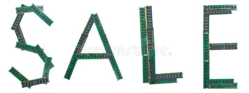 Wort VERKAUF geschrieben von den alten RAM-Gedächtnismodulen von Personal Computern stockfotografie