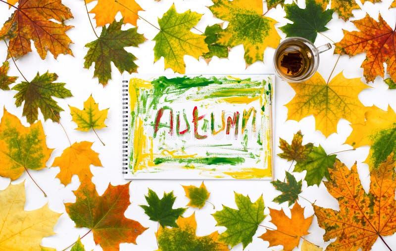Wortherbst in einem Album mit Herbstlaub stockfoto