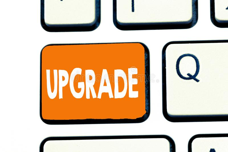 Wortschreibens-Text Verbesserung Geschäftskonzept für Erhöhung etwas zum höheren Standard Improve machen besser zu erhöhen stockfotos