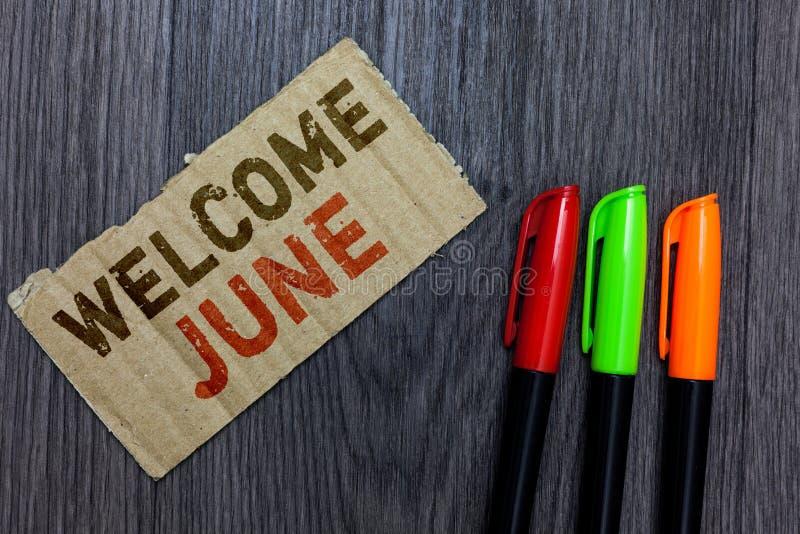 Wortschreibens-Text Willkommen Juni Geschäftskonzept für Kalender-6. Monats-Zweites Quartal dreißig Taggruß-Pappe Importan stockbilder