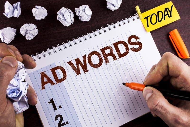 Wortschreibenstext Anzeigen-Wörter E stockfotos