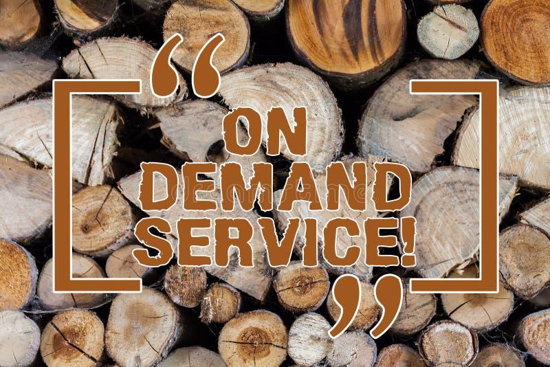 Wortschreibenstext auf Deanalysisd-Service Geschäftskonzept für erlauben Benutzern, rohe Wolkenbetriebsmittel jederzeit Vorsorge  lizenzfreie stockfotos