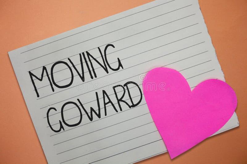 Wortschreibenstext, der Goward bewegt Geschäftskonzept für in Richtung zu ein Punkt-Verschiebung auf weiter gehen voran Vorfortsc stockfotos