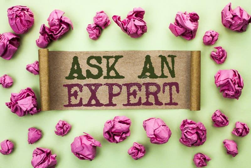 Wortschreibenstext fragen einen Experten Geschäftskonzept für Consult ein Berufsbitten um Rat machen eine Frage, die auf Cardboar stockbilder