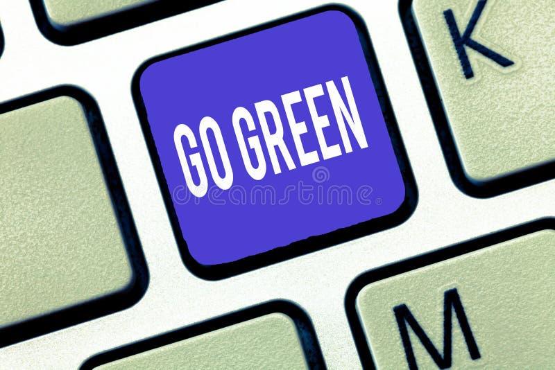 Wortschreibenstext gehen Grün Geschäftskonzept für das Treffen von umweltfreundlicheren Entscheidungen wie verringern bereiten au stockfotos