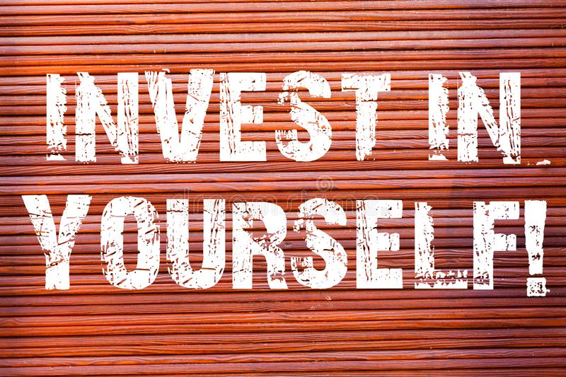 Wortschreibenstext investieren in selbst Geschäftskonzept für die neue Sachen oder Materialien lernen, die folglich Ihr Los besse lizenzfreie abbildung