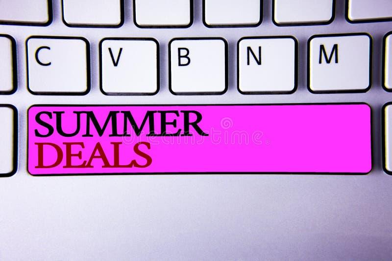Wortschreibenstext Sommer-Angebote Geschäftskonzept für Sonderverkäufe bietet für Ferien-Feiertags-Reise-Preis-Rabatte an lizenzfreies stockfoto