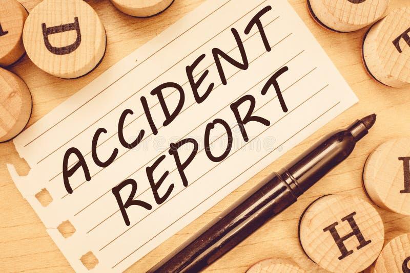 Wortschreibenstext Unfallbericht Geschäftskonzept für a-Form, die ergänzte Rekorddetails eines ungewöhnlichen Ereignisses ist lizenzfreies stockfoto