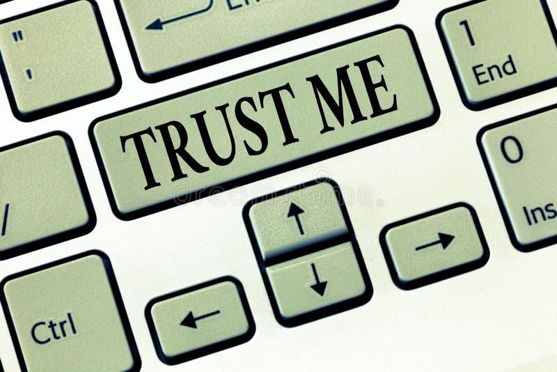 Wortschreibenstext vertrauen mir Geschäftskonzept für Believe haben Glauben in anderer zeigender Angebotstützunterstützung stock abbildung