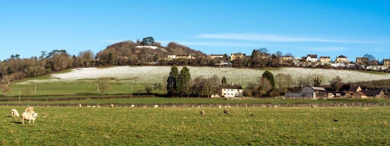 Wotton小山全景在边缘下的Wotton,格洛斯特郡,科茨沃尔德 免版税图库摄影