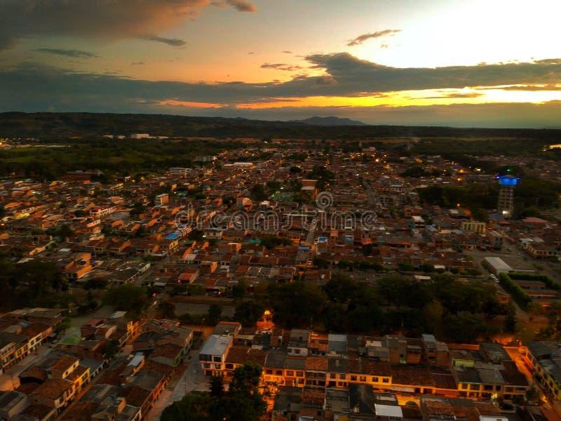 Wow, das dieser Sonnenuntergang amaizing und viele Farben lizenzfreie stockfotos