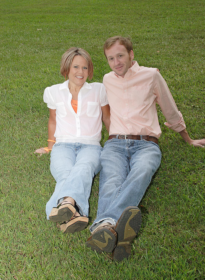 wpólnie trawy obsiadanie fotografia royalty free
