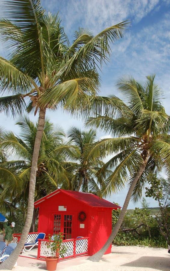 wpadł na plaży koloru bungalowu front prywatna czerwony obrazy stock