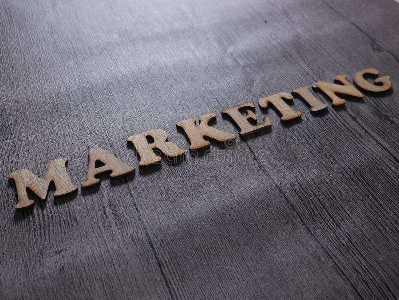Wprowadza? na rynek, Biznesowy Motywacyjny s?owo wycen poj?cie obraz royalty free