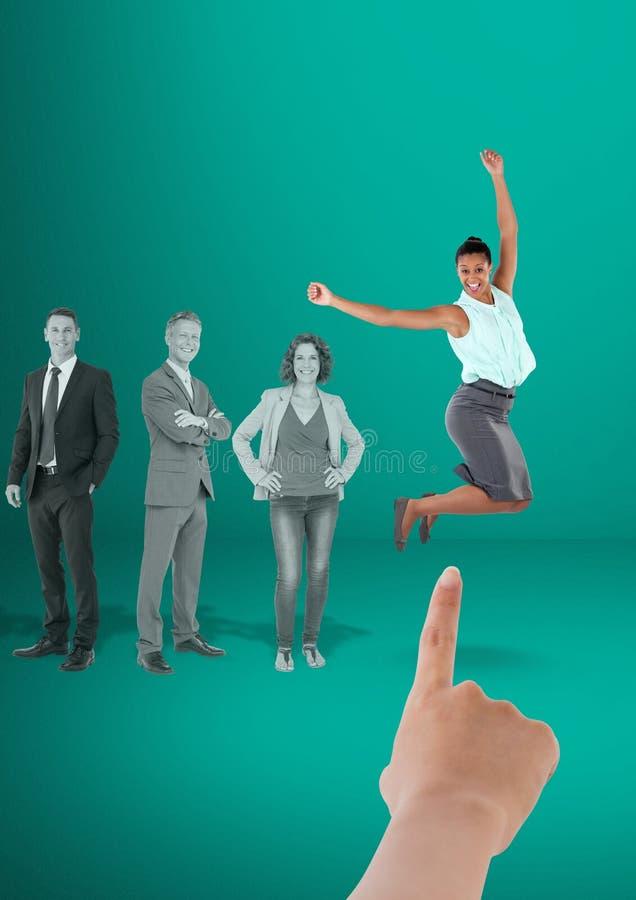 Wręcza wybierać biznesowej kobiety na zielonym tle z ludźmi biznesu ilustracja wektor