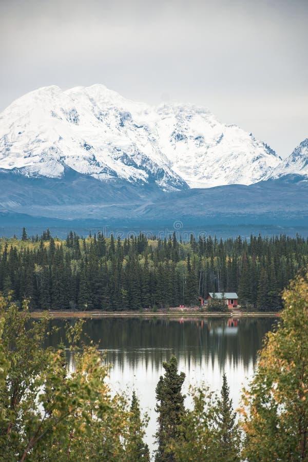 Wrangell St Elias Mountains is enkele grootst in Noord-Amerika royalty-vrije stock foto's