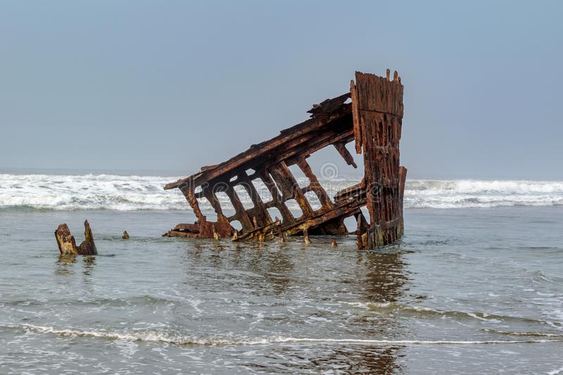 The Wreck of the Peter Iredale, Clatsop Spit near Fort Stevens i stock photos