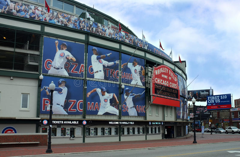 Download Wrigley Field editorial photo. Image of north, major - 31405191