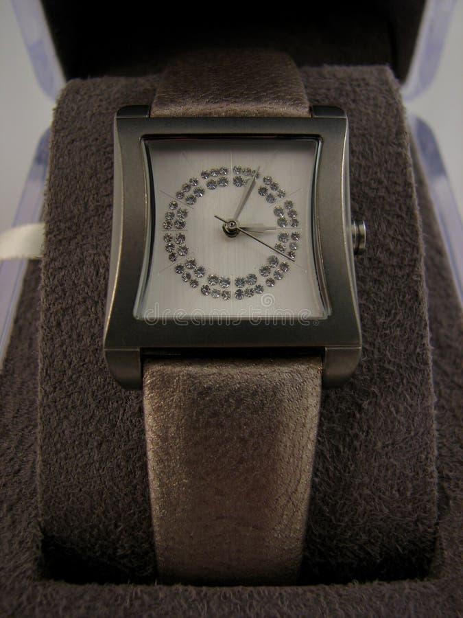 wristwatch женщин gemstones s стоковая фотография rf