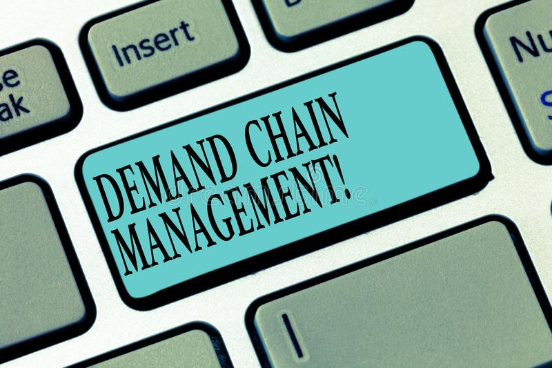 Writing note showing Deanalysisd Chain Management. Business photo showcasing Relationships between suppliers and. Customers Keyboard key Intention to create stock photography