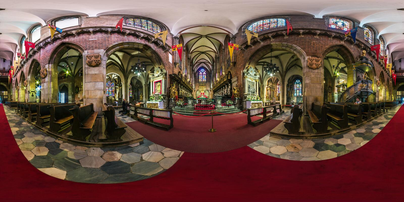 WROCŁAWSKI, POLSKA, WRZESIEŃ -, 2018: pełna bezszwowa bańczasta panorama 360 stopni kąta widoku wewnętrznej gothic katolickiej ka obrazy stock