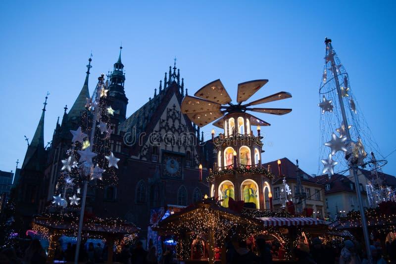 Wroclaw, Πολωνία - 11 Δεκεμβρίου 2019: Χριστουγεννιάτικη αγορά στην Παλαιά Πόλη τη νύχτα στοκ φωτογραφία με δικαίωμα ελεύθερης χρήσης