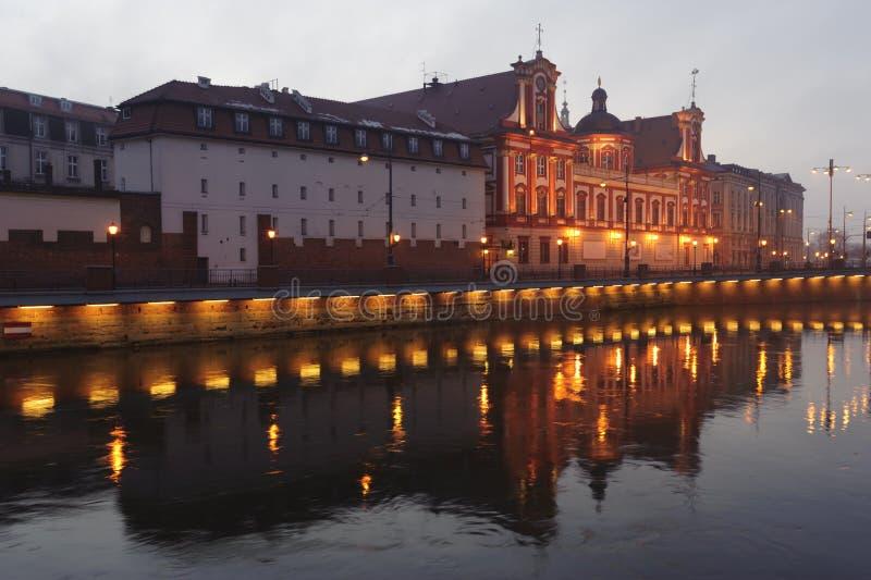 Wroclaw - de bouw van Ossolineum stock afbeeldingen