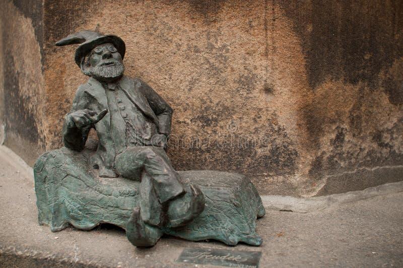 Wroclaw dvärg, Freudek royaltyfri foto