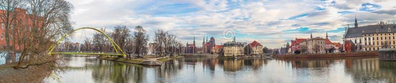 Wroclaw gammal stadspanorama arkivbilder