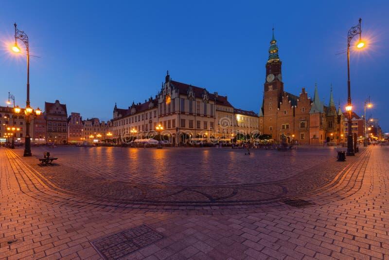 Wroclaw par nuit Vieille place images libres de droits