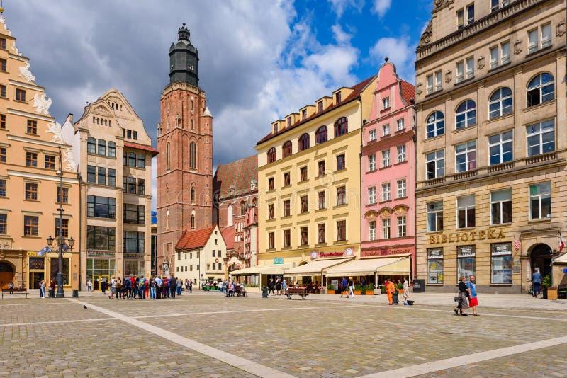 WROCLAW, POLEN - Juli 17, 2019: Marktvierkant in de Oude Stad van Wroclaw Wroclaw is een historisch kapitaal van Lager Silesië, s royalty-vrije stock foto