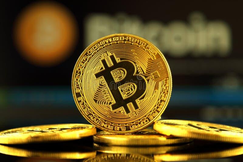 WROCLAW, POLOGNE - 14 OCTOBRE 2017 : De grand intérêt dans le bitcoin, nouvel argent virtuel Image conceptuelle pour le cryptocur image libre de droits