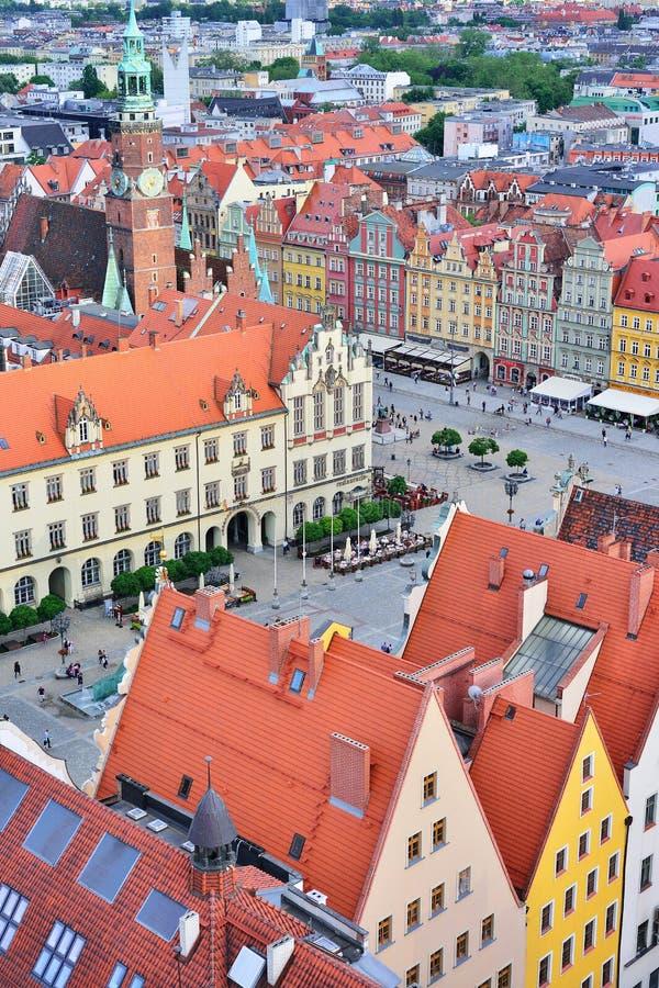 WROCLAW, POLONIA - GIUGNO 2017: Vista aerea di un quadrato del mercato dentro fotografie stock libere da diritti