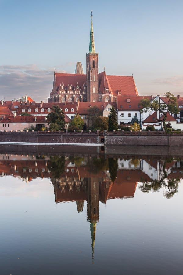 Wroclaw, Polonia 22 ottobre 2016 Chiesa della st santa dell'incrocio fotografia stock libera da diritti