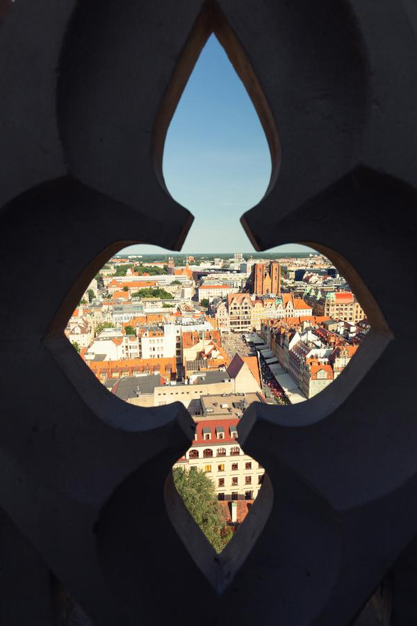 wroclaw vieille Tallinn vue de ville de l'Estonie Photo prise par le cloître images libres de droits