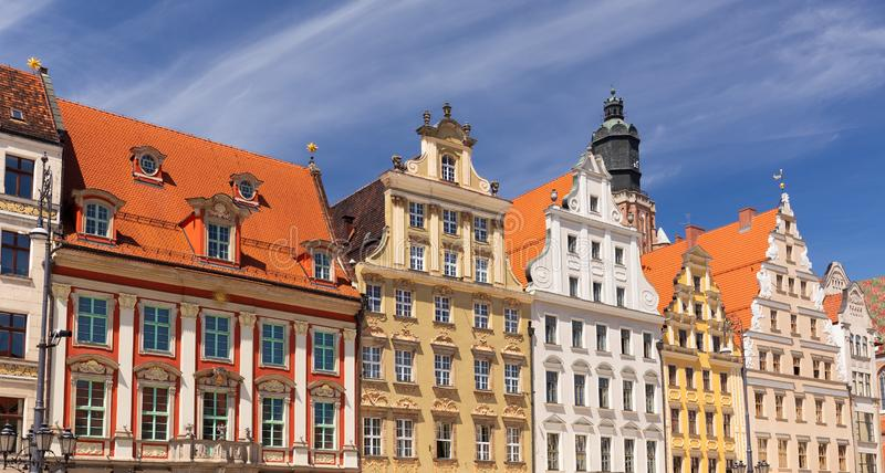 Wroclaw, Voorzijden van historische woningen in de oude stad royalty-vrije stock foto's