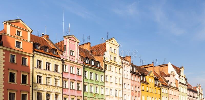 Wroclaw, Voorzijden van historische woningen in de oude stad royalty-vrije stock afbeelding