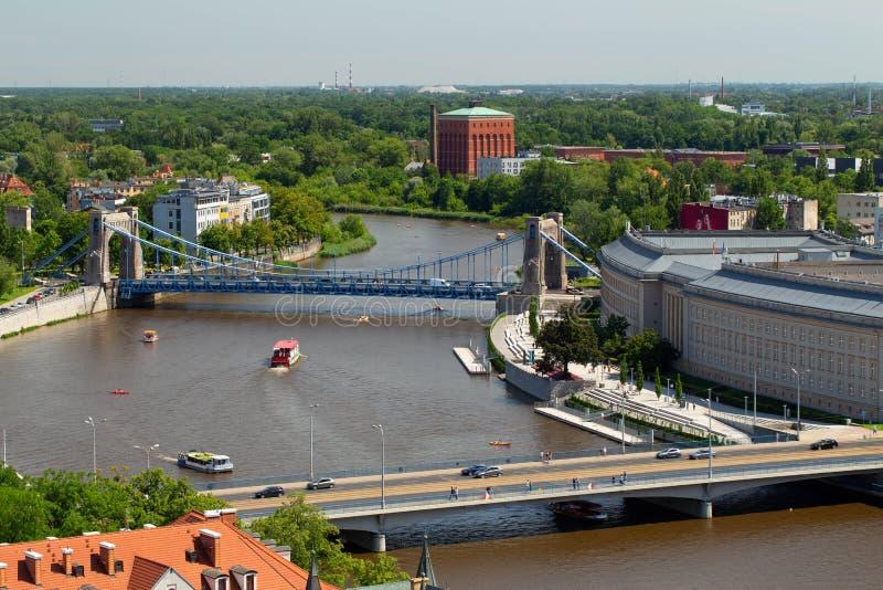 wroclaw Vue supérieure de la rivière et du pont de Grunwaldzki image libre de droits