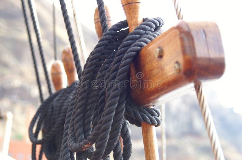 wrony gniazdo lin statku wieży zdjęcia stock