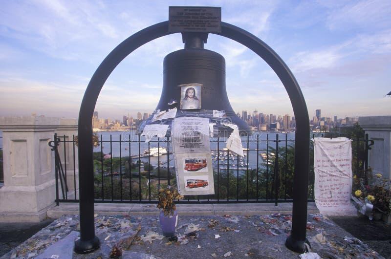 Wrzesień 11, 2001 pomnik na dachu patrzeje nad Weehawken, Nowym - bydło, Miasto Nowy Jork, NY zdjęcia royalty free