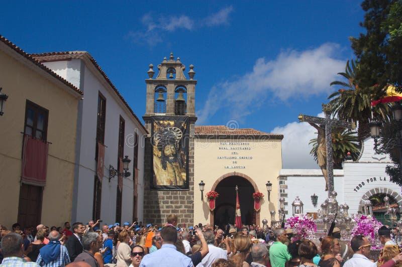 Wrzesie? 2016 SC de Tenerife, Hiszpania Wejście Królewska świątynia Święty Chrystus los angeles Laguna podczas dużego dnia obrazy stock