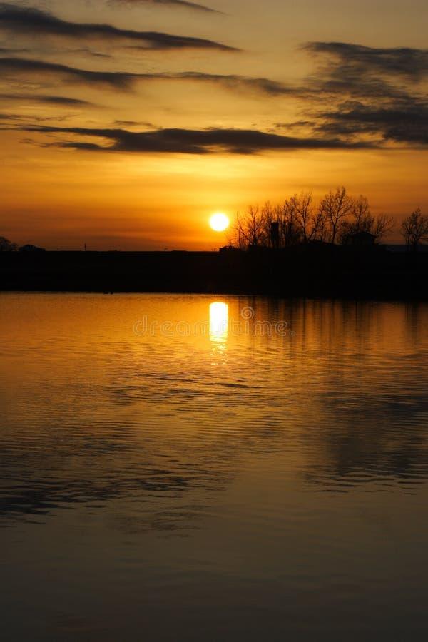 Download Wschód słońca zdjęcie stock. Obraz złożonej z kolory, chmury - 130766