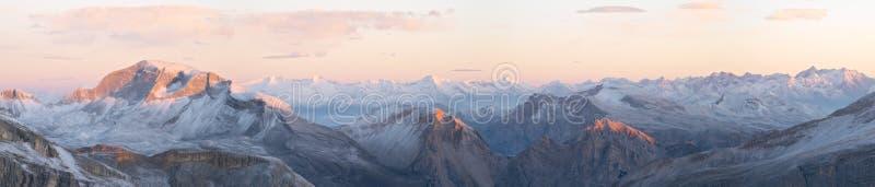wschód słońca dolomitu zdjęcia stock